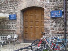 L'ufficio turistico è aperto a singhiozzo, ma Corsi i soldi li ha