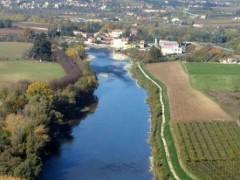 Lottizzazione Nassar: immersa nel verde degli alberi e… dell'Adige
