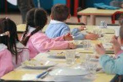 Verme nei fagiolini, parte male il primo giorno di mensa scolastica