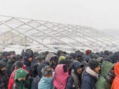 Dai militanti Pd veneto 7 mila euro per i profughi nei Balcani