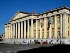 Concorsi bloccati, anagrafi periferiche chiuse, in biblioteca con il contagocce: Verona è ancora in zona rossa?